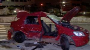 Bandidos em fuga batem carro de vítima em cruzamento