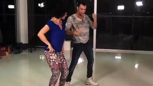 Faa Morena arrisca passos de arrocha nos bastidores do Ritmo Brasil