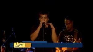 Mika fala do início da carreira musical com Thiago Martins