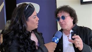 Silvio Brito apresenta a filha nos bastidores do Ritmo Brasil