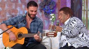 """Agnaldo Timóteo e Rodrigo Marim cantam juntos no palco do """"Ritmo Brasil"""""""