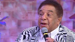 Agnaldo Timóteo relembra músicas que marcaram seu início de carreira