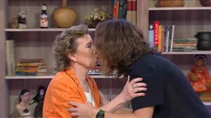 Marilene, da dupla As Galvão, dá selinho em Vitor Kley