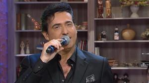 "Carlos Marín canta ""Granada"", clássico da música espanhola"