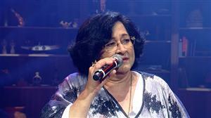 """Cantora veterana mostra seu talento no """"Empurrão da Faa"""""""
