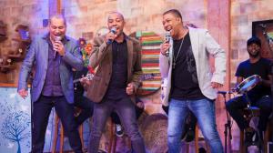 """Amigos do Pagode 90 cantam """"Meu fraco é mulher"""" no palco do Ritmo Brasil"""
