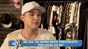 """MC Gui revela que ficaria com Anitta: """"Voz dela é sensual"""""""