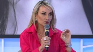 """Esposa de João Kleber relembra início do romance: """"Comentou um post"""""""