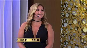 """Luciana Gimenez recebe Regininha Poltergeist no """"SuperPop"""""""