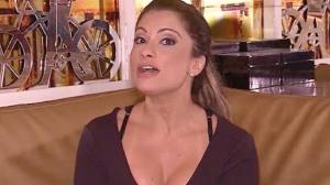 """Dani Sperle dá dicas de como se tornar uma """"Maria-chuteira"""""""