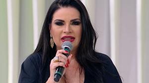 """Meu grande amor"", declara Solange Gomes sobre filha"