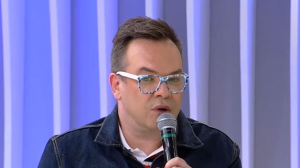 """Felipeh Campos fala sobre homofobia e diz: """"Não gosto dessa vitimização"""""""