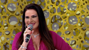 Solange Gomes encara o 'Fato ou Fake?' no SuperPop desta segunda-feira (21)