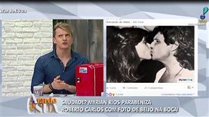 Myrian Rios parabeniza Roberto Carlos com foto de beijo na boca