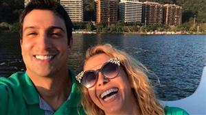"""Joelma curte foto do ex, termina namoro e Sonia Abrão brinca: """"Explicado"""""""