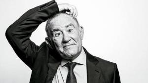 Renato Aragão encerra contrato com emissora após 44 anos