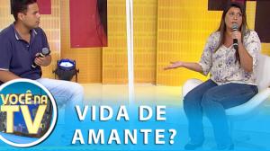 """Professora apaixonada por aluno comprometido topa ser a """"outra"""" da relação"""