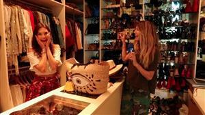 Júlia Pereira invade closet da blogueira Martha Graeff