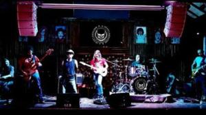 Conheça Dudé e a Máfia, banda de blues rock que tem conquistado o público