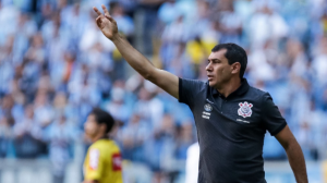 "Carille assume erro no Corinthians: ""Mudei demais o time"""