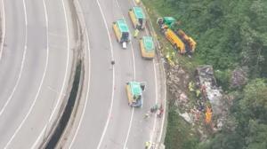 Acidente com ônibus em Guaratuba deixa mortos e dezenas de feridos