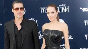Angelina Jolie e Brad Pitt se casam na Fran�a