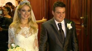 Sertanejo Belutti e Tha�s Pacholek se casam em SP