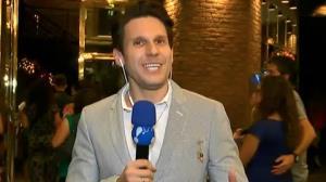 TV Fama 'invade' show de Gilberto Gil