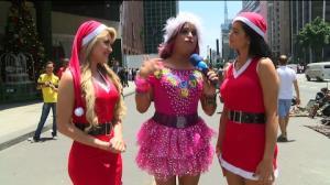 'Coelhinhas' atacam de 'Mam�e Noel' em SP