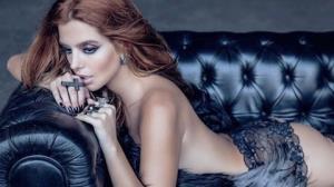 Giovanna Lancellotti faz primeiro ensaio sensual