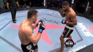 Veja os melhores golpes da luta entre Kovalev e Will Galv�o no XFCi9