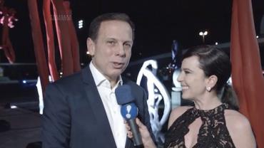 """João Doria prestigia exposição de arte da esposa: """"Sou admirador"""""""