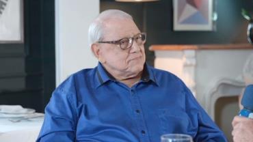 Ary Toledo fala da relação com Vinicius de Moraes e Elis Regina