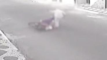 Assaltante apanha de vítima e ainda perde a moto no Ceará