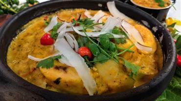 Edu Guedes e convidada ensinam receitas da culinária baiana