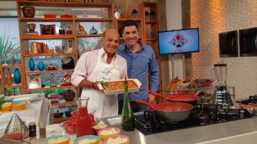 Edu Guedes recebe Marcelo de Carvalho para preparar pratos italianos