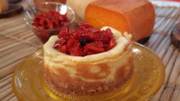 Edu Guedes ensina a preparar cheesecake salgado