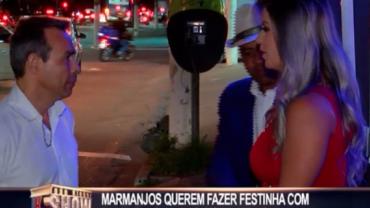 Marmanjos quebram a cara em festinha com dama da noite