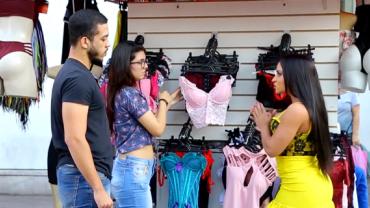 Gata confunde cliente com vendedora e arruma briga em loja de lingeries