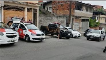 Polícia de SP prende quadrilha que usava clones de carros da PF em crimes