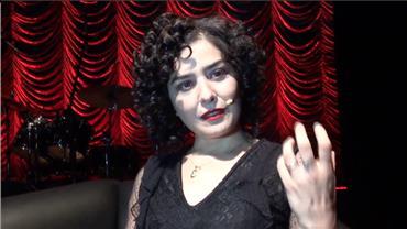 Peça 'A Vida em Vermelho' cria encontro entre Bertold Brecht e Edith Piaf