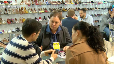 Maior feira de calçados da América Latina começa em SP com apoio da RedeTV!