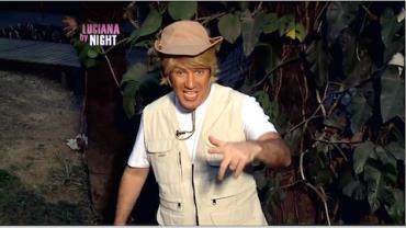 """Diogo Portugal """"incorpora"""" um biólogo e ensina a pegar jacaré"""