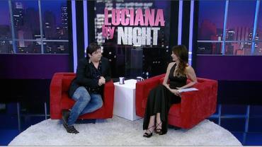 Luciana Gimenez recebe o ator e humorista Gustavo Mendes
