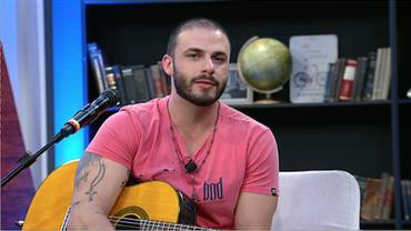 Sertanejo Rodrigo Marim explica acidente que o fez raspar os cabelos