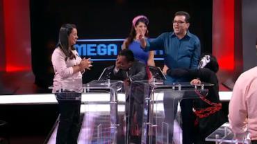 Amigos atrapalham e Geraldo Lu�s comete 'gafes' no Mega Senha