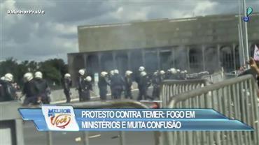Protesto contra Temer deixa feridos e ministérios depredados