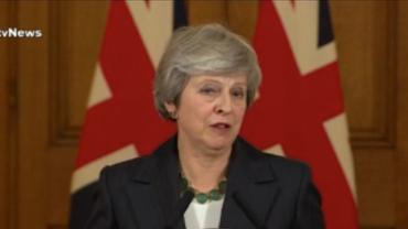 Ministros de gabinete britânico renunciam em meio à crise no Brexit