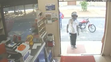 Ladrão se atrapalha e esquece de levar a arma para comércio alvo de roubo