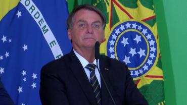 Bolsonaro quer desobrigar uso de máscara aos já vacinados